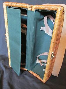 Picnic Time Insulated Wicker Wine Basket Bottle Carrier in Great Condition