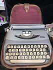 Vintage+Royalite+typewriter+1960s%2C+Good+Shape