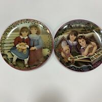 Vintage Set Of Two Kindred Moment Plates By Shantal Poulin Good Condition