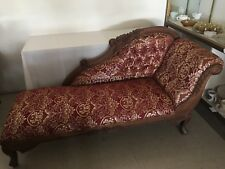 Victorian Style Mahoganywood Handcarved Chase Lounge