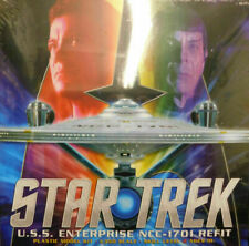 Polar Lights POL949 Star Trek USS Enterprise Refit NCC-1701 Model Kit