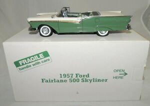 1957 Ford Fairlane 500 Skyliner 1/24 (Green) By Danbury Mint Precision Models