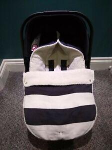 Wallaboo Striped Footmuff 0-12 Months