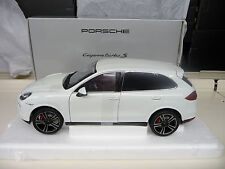 1:18 Minichamps Porsche Cayenne Turbo S weiss white Dealer Edition NEU NEW