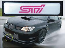 Subaru Impreza Sti V-LTD Divisor de labios frontal insignia con logotipo en blanco y rosa Sti