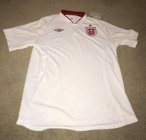 England Shirt - Euro 2012 *PARKER #17* New with Tag - Size 46 Chest/XL