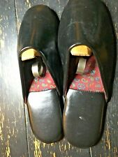 Black Leather Men's Slippers Room Shoes sz 9 Pre-owned