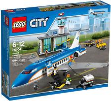 NEW LEGO AIRPORT PASSENGER TERMINAL 60104 Set Sealed Box 6x minifigs airplane