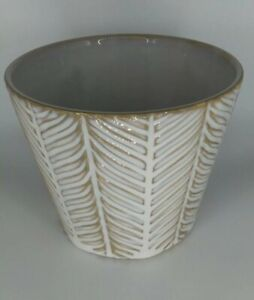 Herringbone Pattern Planter Pot White Weathered Look 5 inches x 5 inches
