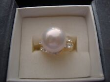 J5 PINK SHELL PEARL WHITE AUSTRIAN CRYSTAL RING PLATED YG STAINLESS STEEL SZ 10