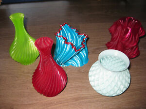 Design Deco 3D printed vases in red blue turquoise lime green