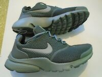 New Nike Presto Fly Big Kids Size 4y Youth Running Shoes 913966-006 Green