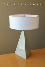 EYE-CATCHER! MID CENTURY MODERN PYRAMID TABLE LAMP! CUBIST WHITE VTG MOD 70S 80S