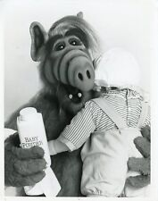 ALF THE ALIEN BABYSITTING PORTRAIT ALF ORIGINAL 1989 NBC TV PHOTO
