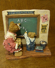 Boyds Bearstones #228507 Miss Wise w/ Newton...Promise for the Future, 2 Ed NIB