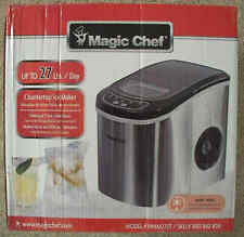 Magic Chef 27 Lb/Day Compact Portable Countertop Ice Maker HNIM27ST Stainless