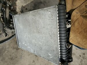 1999-2002 MERCEDES-BENZ W220 S430 S500 COOLING RADIATOR A2205000104 A2205000103