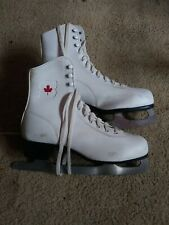 New listing Vintage White Canadian Flyer Red Maple Leaf Women's Ice Skates - Canada Size 8