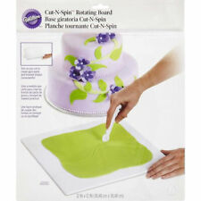 Cut-N-Spin Rotating Board for Gum Paste and Fondant from Wilton 2561