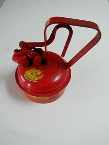 RARE Vintage Eagle Gas Oil Safety Can 1/2 Gallon Can UI-25 Type 1 Works Fine