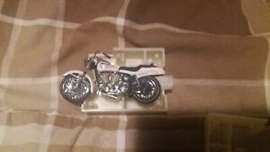 Franklin Mint Harley Davidson 1971 SuperGlide! 1/24th Scale.