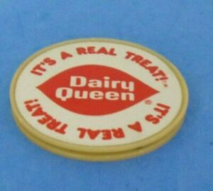 VINTAGE DAIRY QUEEN PLASTIC ADVERTISING COASTER DOUBLE SIDED