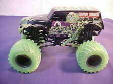 Spinmaster MONSTER JAM GRAVE DIGGER BIG 1 24 Scale Hot Neon Wheels Truck  CHEVY