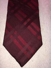 TOMMY HILFIGER MENS TIE 3.75 X 59 BURGUNDY AND RED PLAID PATTERN
