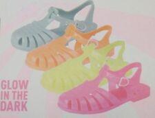 Markenlose Baby-Schuhe im Sandalen-Stil