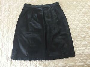 VINTAGE WILSONS SUEDE & LEATHER WOMENS SIZE 8 BLACK LEATHER SKIRT