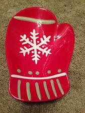 HALLMARK Mitten Plate Red W/snowflake serving piece, cookie plate, festive EUC