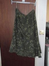 CG99. Ann Harvey Skirt. Size 30. BNWT. Green Stripe and leaf design.
