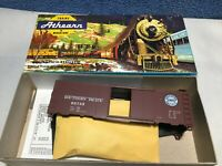 Athearn HO - #5011 - Southern Pacific Lines 40' Box Car -NEW