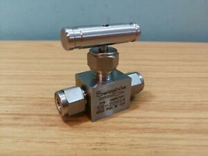"""Swagelok SS-20VS4 Stainless Steel Needle Valve 1/4"""" Tube With Olives"""