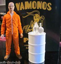 Breaking Bad Deluxe Actionfigur: Walter in Orange Hazmat Suit