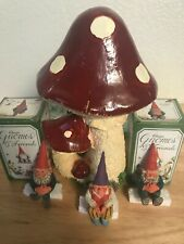 Rien Poortvliet Classic Gnomes. Set of 3 Edge Sitters. 3 1/2 inches tall