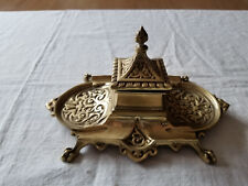 VINTAGE ANTIQUE ORNATE BRONZE SINGLE INKWELL & PENS HOLDER