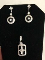 SOLID 18K WHITE GOLD, BLACK ONYX & DIAMONDS PENDANT AND EARRING SET