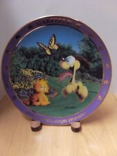 """A Day With Garfield """"Simple Minds, Simple Pleasures""""  Collectible Plate"""