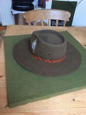 Véritable australien Akubra hat. Taille 59 acheté en Australie mais jamais porté.