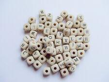 50pz misti Alfabeto lettere di perline cubo in legno 10x10mm color bianco avorio