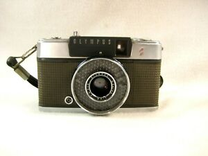 VINTAGE JAPANESE OLYMPUS PEN-EE S 35mm HALF FRAME FILM CAMERA W/ SAFETY STRAP