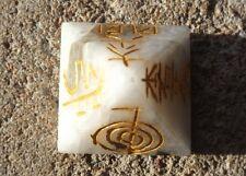 Pierre de lune arc-en-ciel pyramide gravé 4 Reiki symboles et pentacle~Reiki