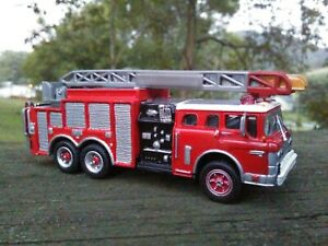 CUSTOM 1/87 HO  FORD C- SERIES  AERIAL LADDER FIRE TRUCK TRACTOR  KITBASHED LOOK