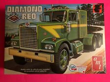 DIAMOND REO TRACTOR TRUCK MODEL KIT AMT 1/25 SCALE NEW SEALED LOOK!!