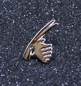 Pin QATAR AIRWAYS Logo Pin for Pilots Crew silver metal