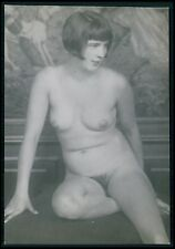 German Austrian full nude lady flapper on floor old 1920s gelatin silver photo