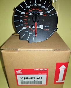 GENUINE OEM HONDA VFR750 FT 1996 ELECTRONIC SPEEDO BNIB 37200-MZ7-601 METER