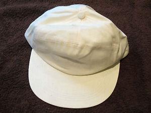 Baseballkappe (base cap) in creme mit grün, in Einheitsgröße, hinten verstellbar