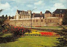 BT7830 Le chateau de sully sur loire se refletant dans la sange    1    France